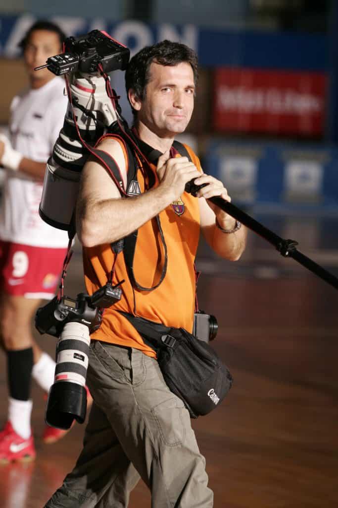 Stéphane Pillaud parcourt le monde et couvre 400 matchs par an.